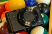 Sony RX100 III bets a better lens