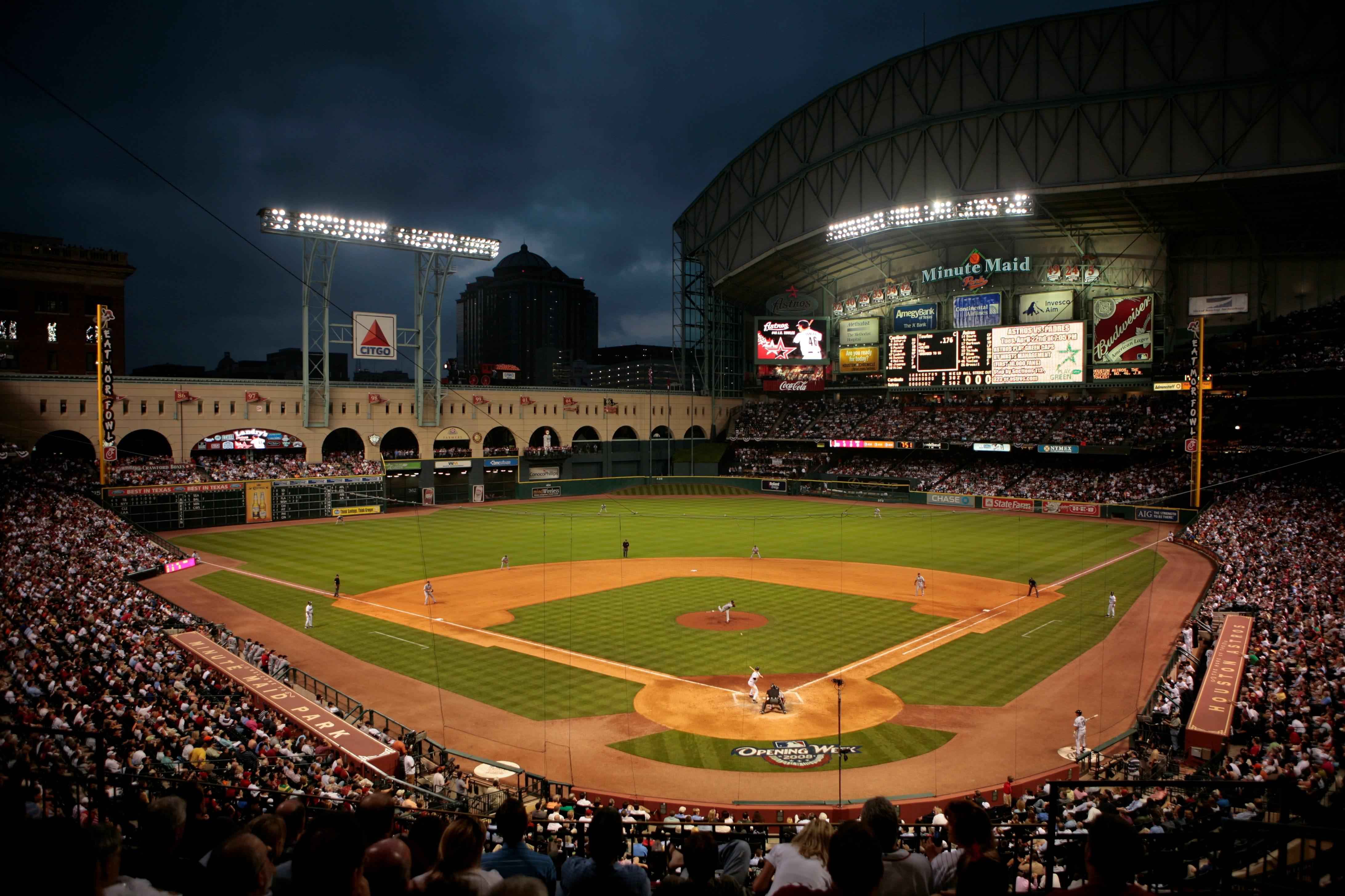 Minute-Maid-Park-best-MLB-stadiums-2013